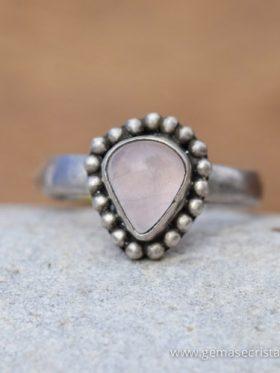 Anel de prata e quartzo rosa