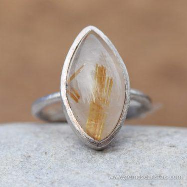 Anel de prata e quartzo rutilado