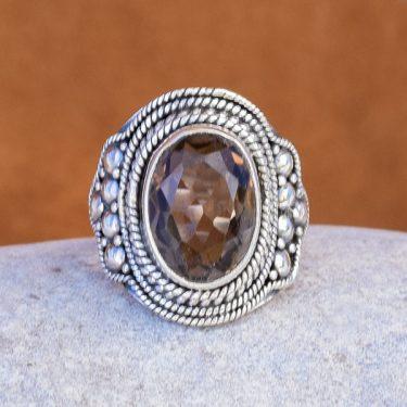 Anel de prata e quartzo fumado