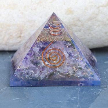 Pirâmide Orgonite Ametista